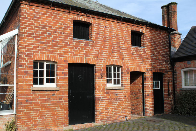 Essex repointing | pointing | Brick cleaning | Pebbledash